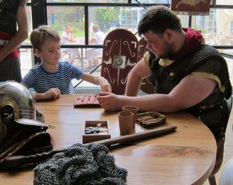 Romeinen bezoeken Wilhelmina Kinderziekenhuis in Utrecht