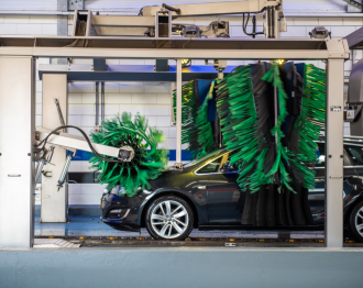 Carwash Easy and Go: de grootste carwash van Alphen aan den Rijn
